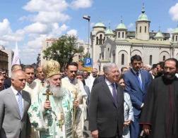 По случаю престольного праздника Белграда по улицам сербской столицы прошел крестный ход
