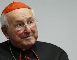 Рукоположение женщин в священный сан — ересь, влекущая отлучение от Церкви, заявил кардинал Брандмюллер