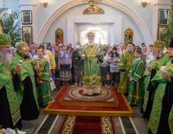 В канун праздника Святой Троицы Патриарший Экзарх совершил всенощное бдение в Свято-Духовом кафедральном соборе города Минска
