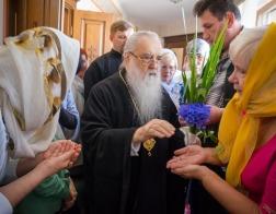 В праздник Святой Троицы митрополит Филарет молился за Литургией в домовом храме Минского епархиального управления