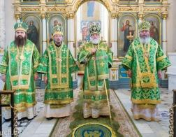 В праздник Святого Духа Патриарший Экзарх возглавил Литургию в Свято-Духовом кафедральном соборе города Минска