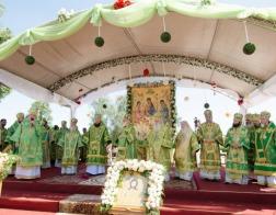 Патриарший Экзарх возглавил торжества по случаю 20-летия со дня прославления праведного Иоанна Кормянского