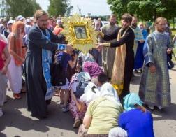 По Могилеву прошел 12-километровый крестный ход с Жировичской иконой Божией Матери