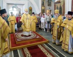 В Неделю 2-ю по Пятидесятнице митрополит Павел совершил Литургию в Свято-Духовом кафедральном соборе города Минска