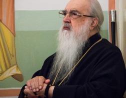 В Неделю 2-ю по Пятидесятнице митрополит Филарет молился за Литургией в домовом храме Минского епархиального управления