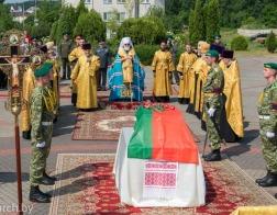 Патриарший Экзарх возглавил церемонию перезахоронения останков младшего сержанта Тимофея Морозова, погибшего в годы Великой Отечественной войны