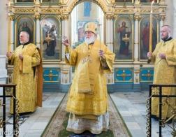 В Неделю 5-ю по Пятидесятнице митрополит Павел совершил Литургию в Свято-Духовом кафедральном соборе города Минска