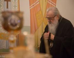 В праздник Рождества Иоанна Крестителя митрополит Филарет молился за Литургией в домовом храме Минского епархиального управления