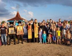 Жители города Калинковичи совершили крестный ход в память о Царственных страстотерпцах