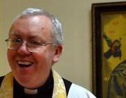 Католического священника уволили с поста капеллана университета в Глазго за покаянную молитву после проведения в городе гей-парада
