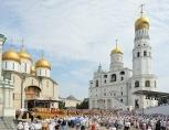 В день памяти святого равноапостольного князя Владимира Предстоятели Александрийской и Русской Православных Церквей совершили Литургию на Соборной площади Московского Кремля