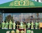 Святейший Патриарх Кирилл совершил Литургию на соборной площади Вологодского кремля