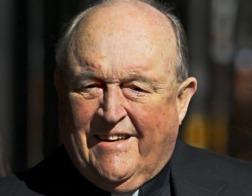 Папа Франциск принял отставку австралийского архиепископа, признанного виновным в потворстве священнику-педофилу