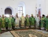 В возрождающемся Успенском соборе Саровской пустыни совершена первая Божественная литургия