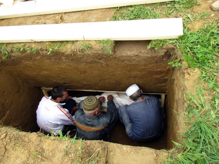 Уход за могилой у мусульман
